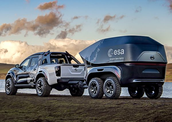 Nissan-Navara_Dark_Sky_Concept-2018 (17)