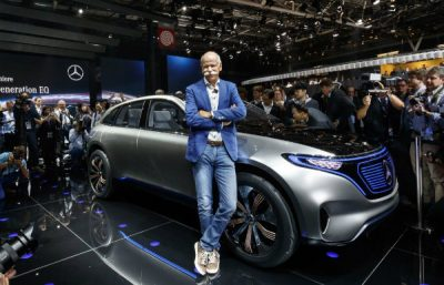 dieter-zetsche-during-mercedes-benz-generation-eq-concept-launch-at-the-2016-paris-auto-show_100577111_l